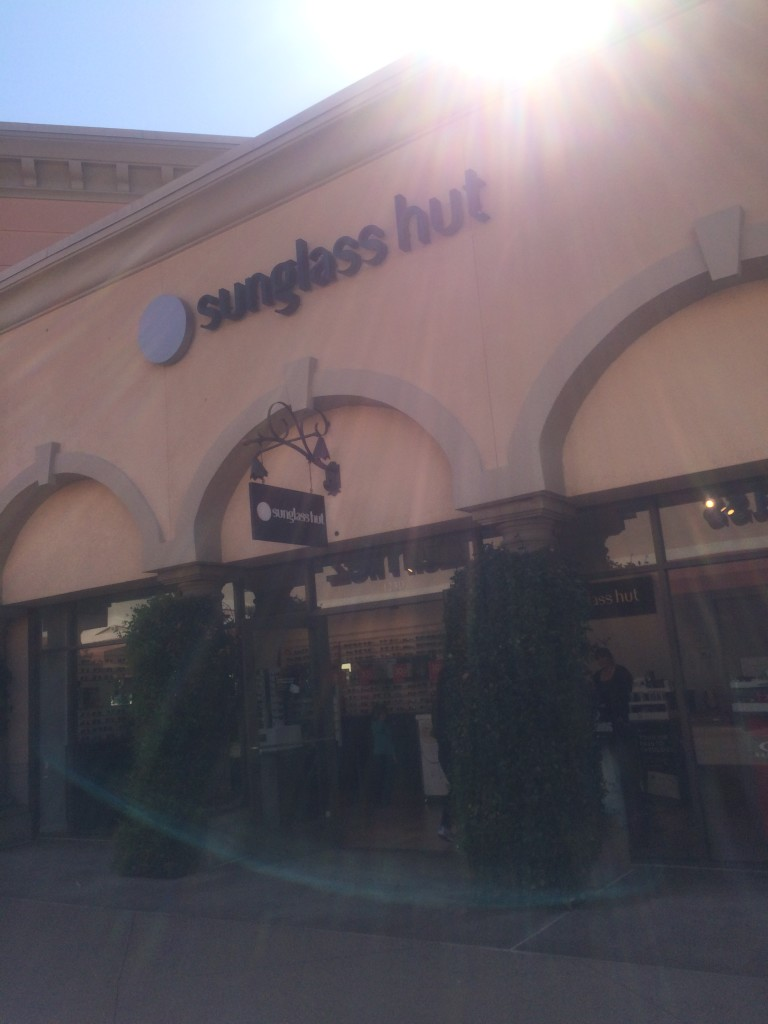 sunglass-hut-outlet-store