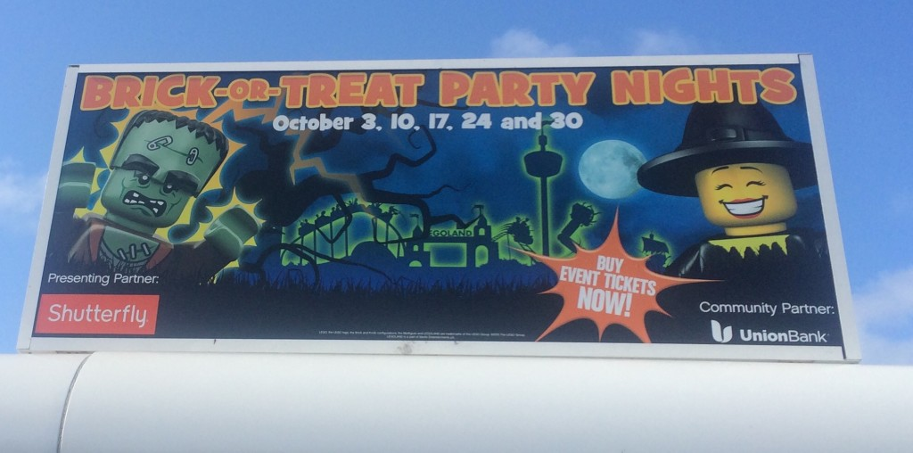 legoland-california-resort-brick-or-treat-nights-sign