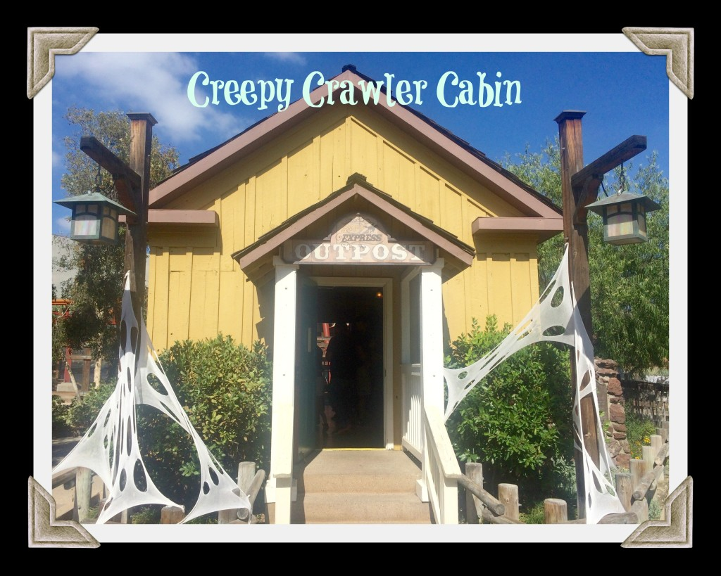 knotts-spooky-farm-creepy-crawler-cabin