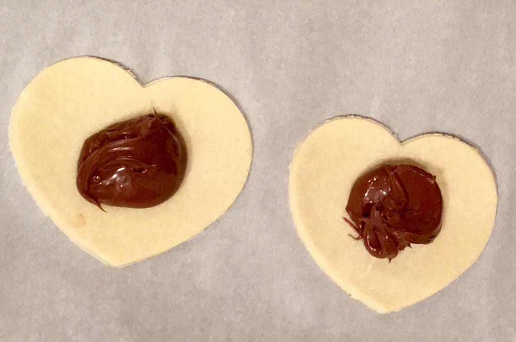 Heart-Shaped Hand Pies Filled with Chocolate and M&M's® Strawberry ...