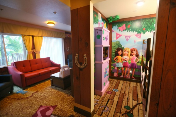 lego-friends-room-1
