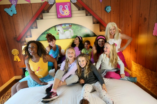 lego-friends-room-5