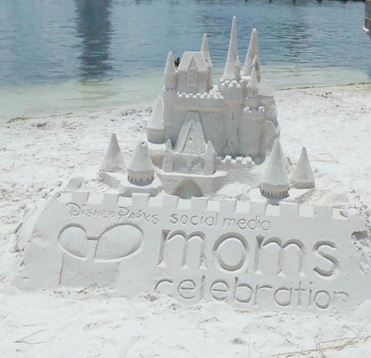 mickeys-beach-bash-sand-sculpture