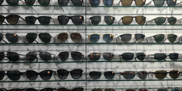 fathers-day-shopping-sunglasses