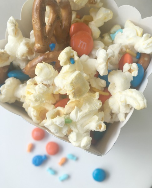 finding-dory-snack-mix-in-a-box