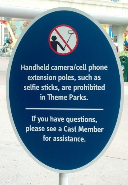 no-selfie-sticks-disneyland-resort