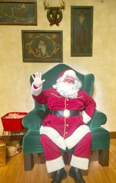 knotts-merry-farm-santa