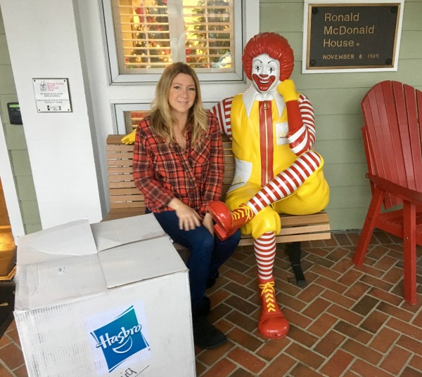 ronald-mcdonald-house-oc-donating