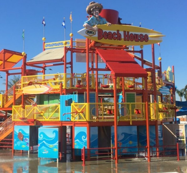 knotts-soak-city-beach-house