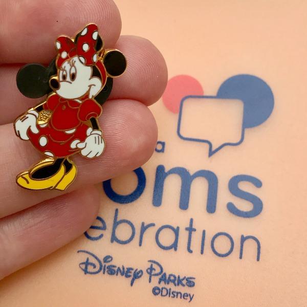 disney-social-media-moms-celebration-minnie-pin