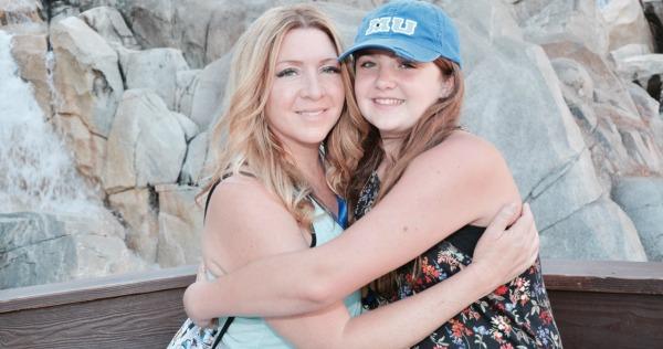 disney-social-media-moms-photo-pass