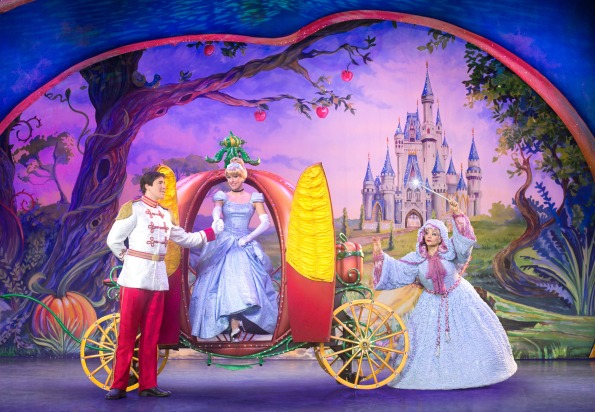 disney-live-cinderella-prince-charming-and-fairy-godmother