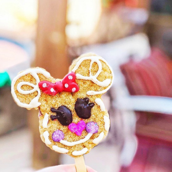 disneyland-holidays-festive-treats-1