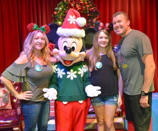 disneyland-holidays-with-mickey