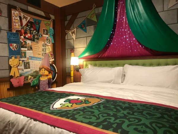 legoland-castle-hotel-royal-princess-room-1