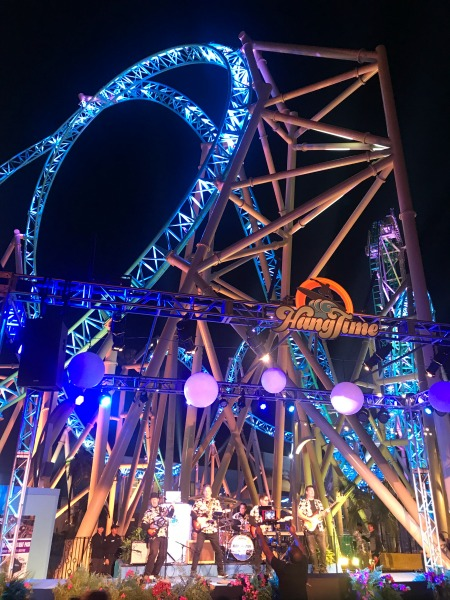 knotts-hangtime-at-night