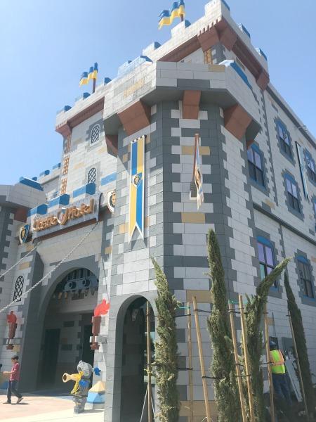 legoland-castle-hotel-exterior-1